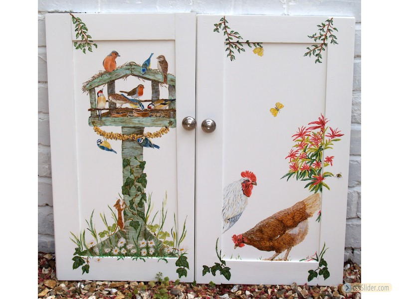 Birdhouse & Chickens